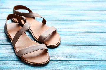 brun new feet sandal